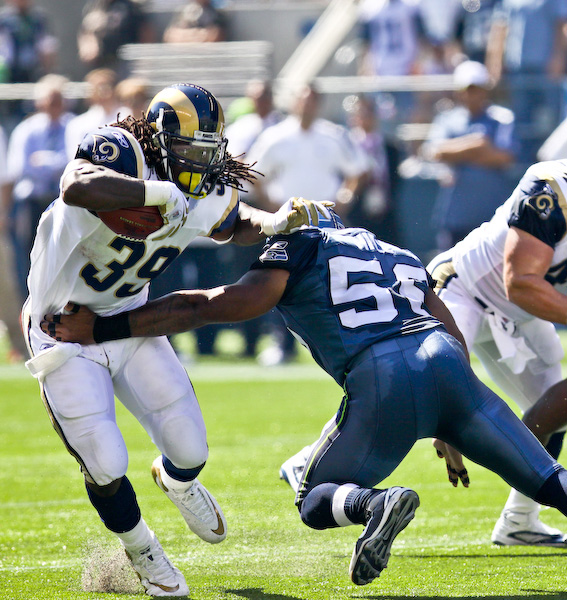 Rams RB Steven Jackson breaks free from the Seahawks defense for a gain. Sept. 13, 2009 - Qwest Field, Seattle