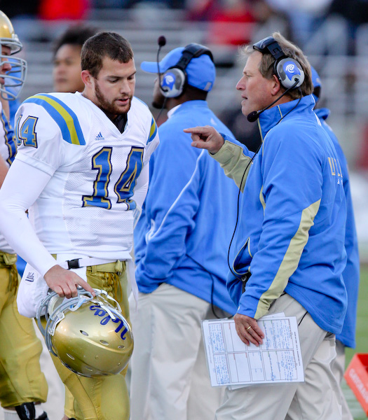 UCLA coach Rick Neuheisel is not pleased with QB Kevin Prince after a blown play.