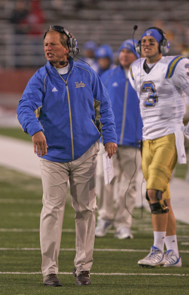 UCLA coach Rick Neuheisel lets the officials hear about it after a call against the Bruins.