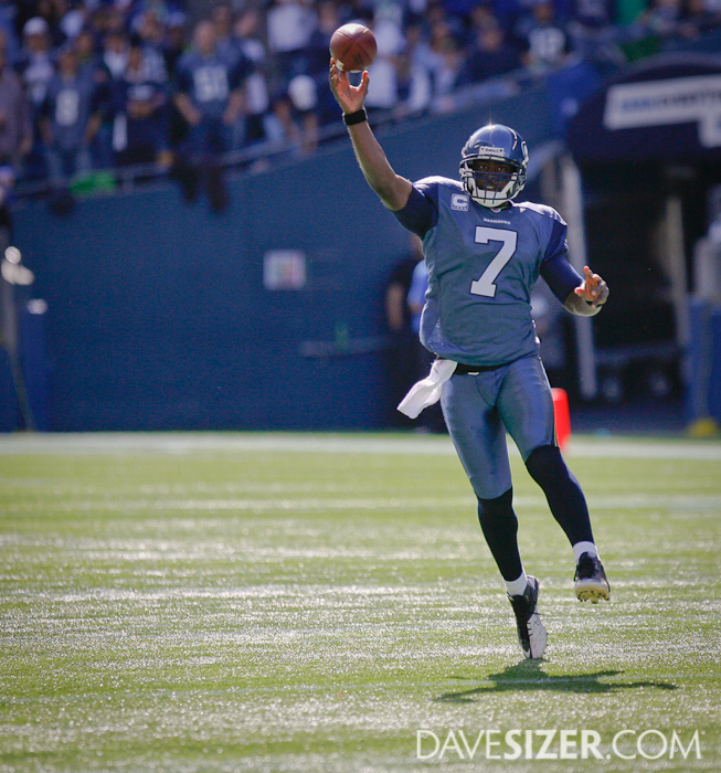 Tarvaris Jackson throws on the run.
