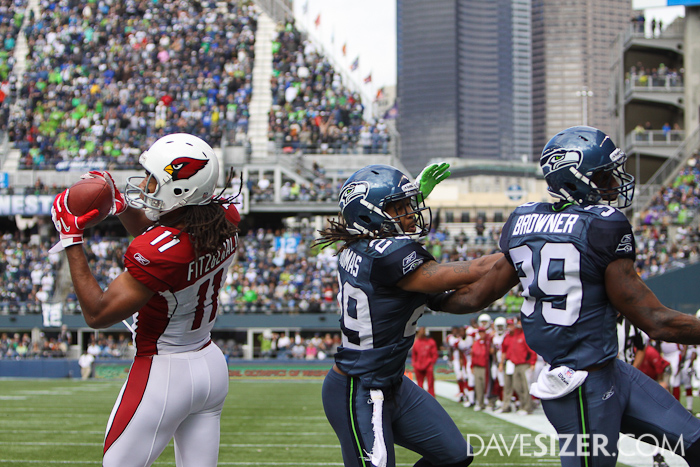 Earl Thomas and Brandon Browner get mixed up on coverage and Larry Fitzgerald hauls in a touchdown.