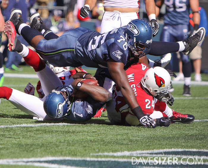 Tarvaris Jackson dives into the endzone for a touchdown.