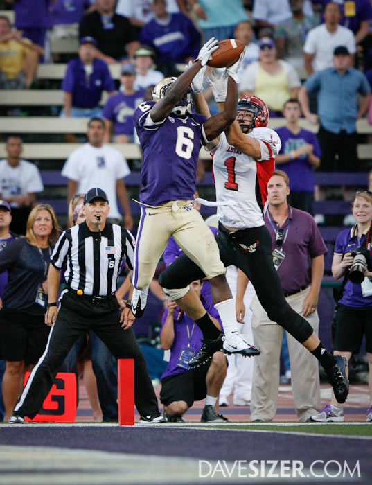 Washington CB Desmond Trufant makes a game saving interception with 29 seconds left in the game to preserve the win for the Huskies.