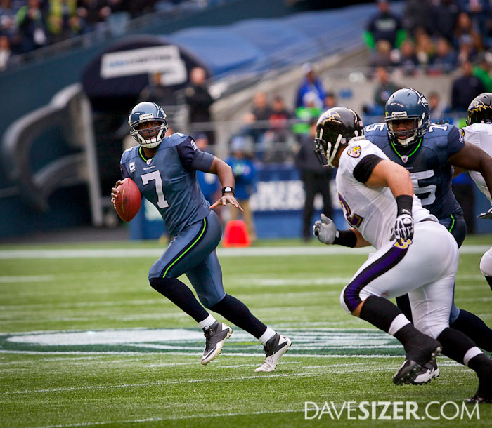 Tarvaris Jackson rolls out looking for a receiver.