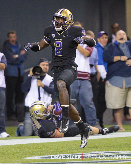 Kasen Williams lets out a roar after scoring the touchdown that put the Huskies ahead to stay.