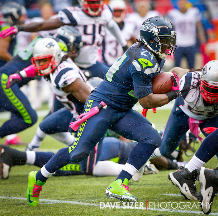 Marshawn Lynch powers through the Patriots defense.