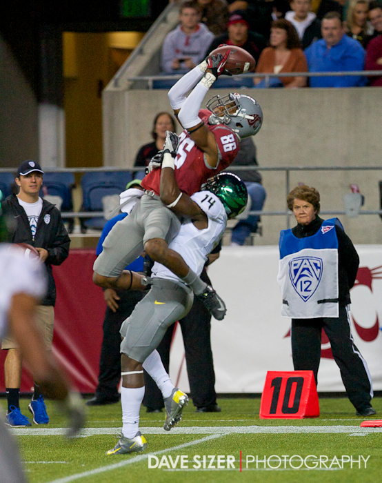 WSU WR Marquess Wilson goes up high for this grab over Ifo Ekpre-Olomu