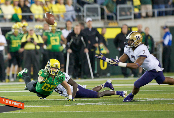 This pass intended for Oregon's Will Murphy was tipped up into the waiting hands of Shaq Thompson for an interception.