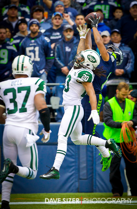 Golden Tate goes high over the Jets Kyle Wilson for a touchdown grab.