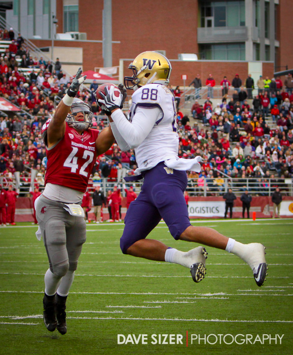 Austin Seferian-Jenkins hauls in a touchdown pass over Cyrus Coen.