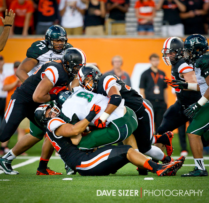 The Beaver defense comes up big on a Warrior 4th down attempt.