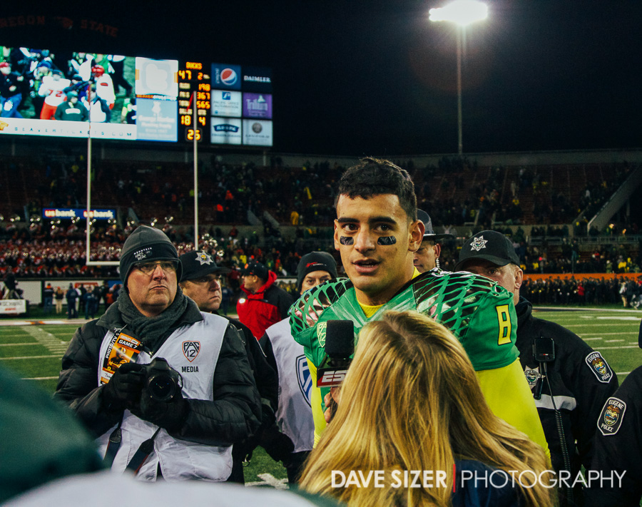 Marcus Mariota talks to the media.