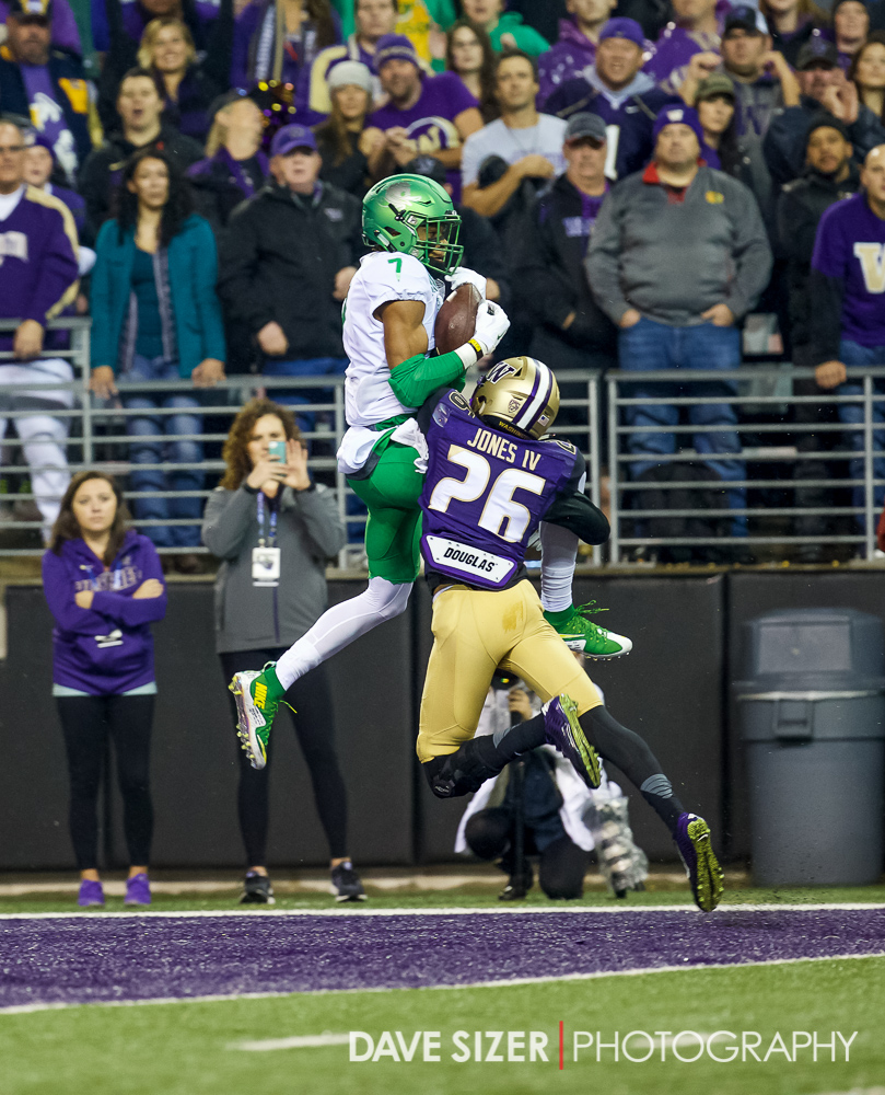 Darren Carrington skies over Sidney Jones for a TD.