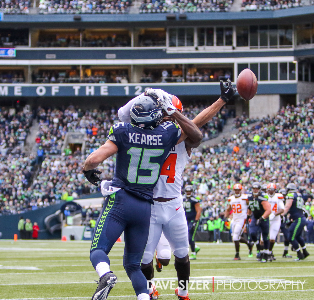 Jermaine Kearse gets mugged on this pass in the end zone.
