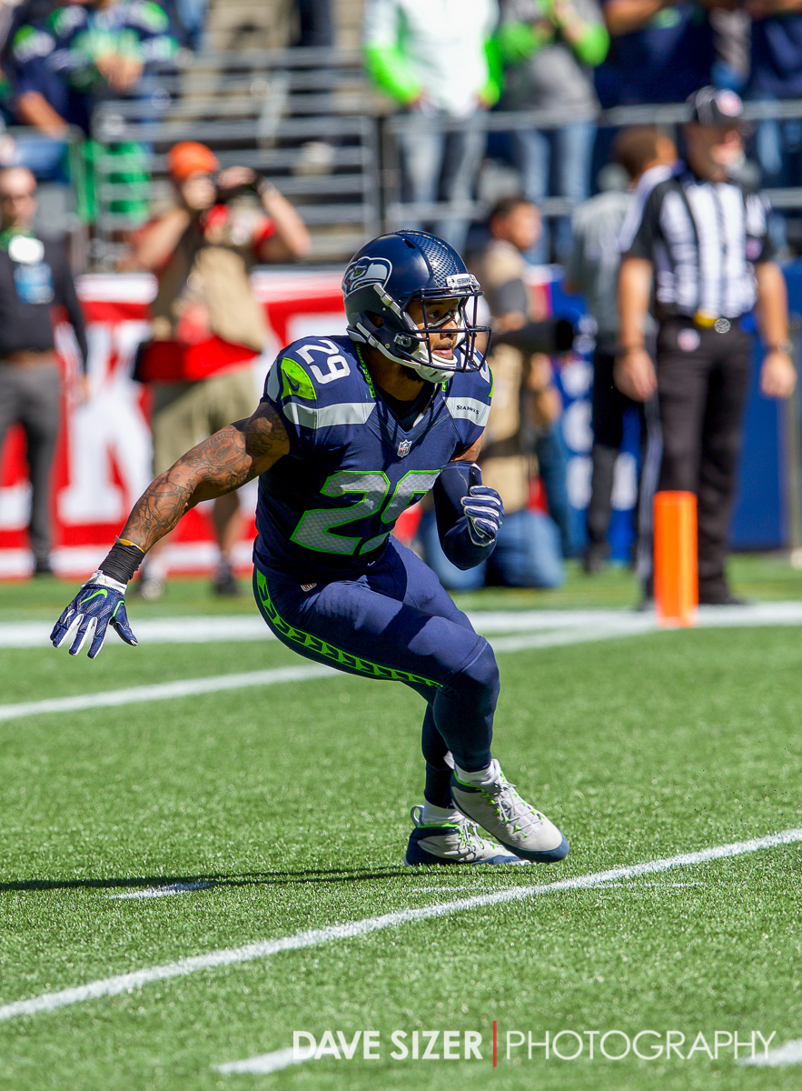 Earl Thomas on the prowl.