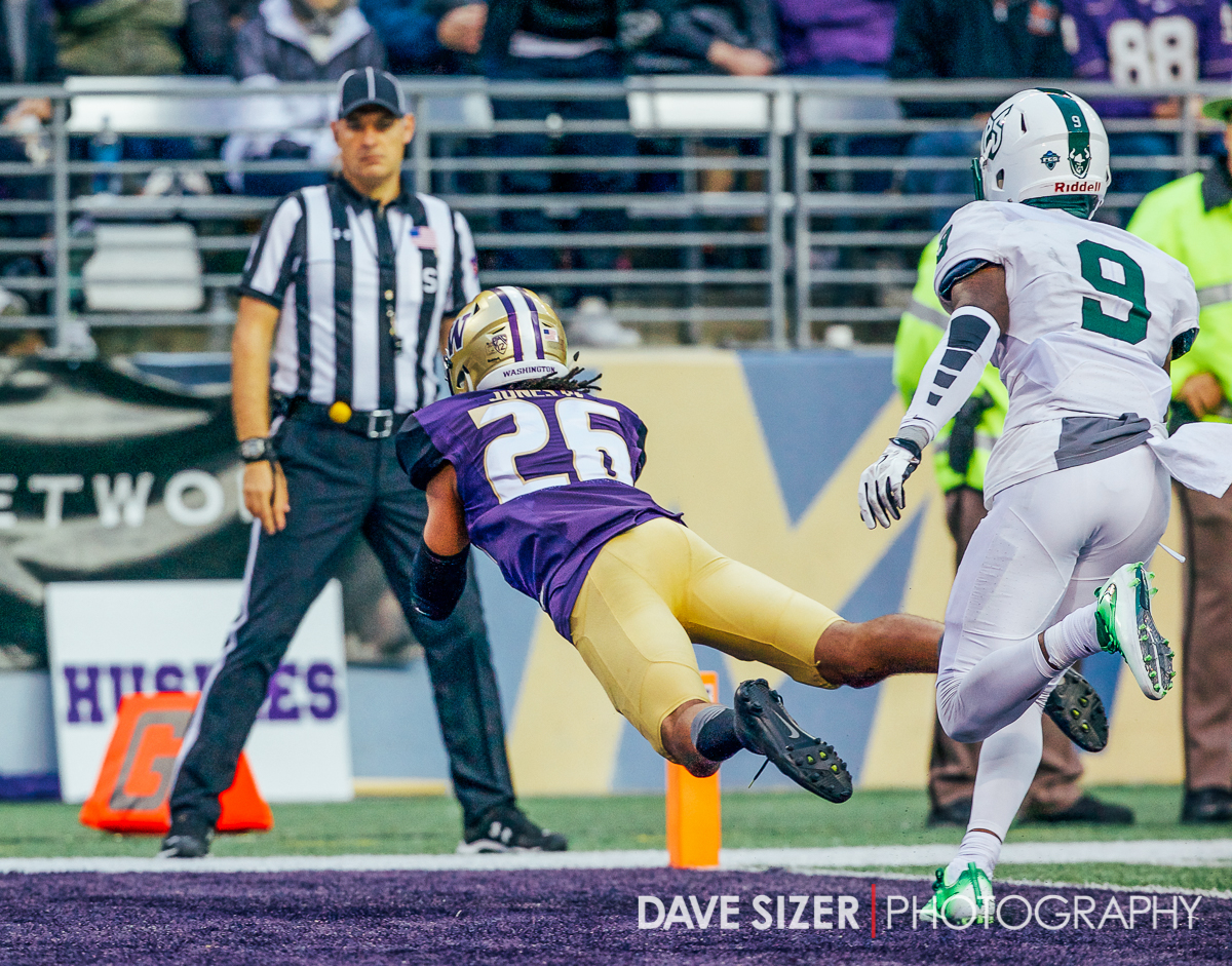 Sidney Jones dives for an interception in the end zone.
