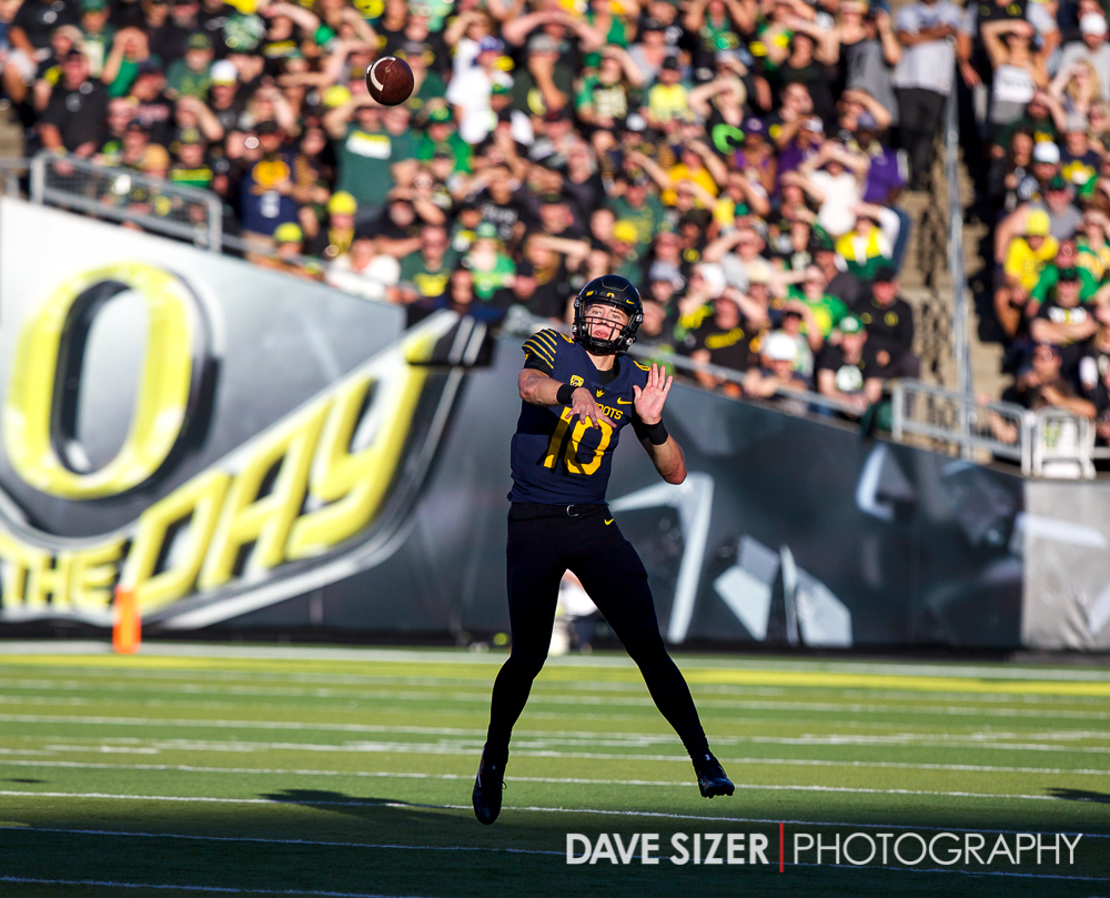 Freshman Justin Herbert in his first start for the Ducks.