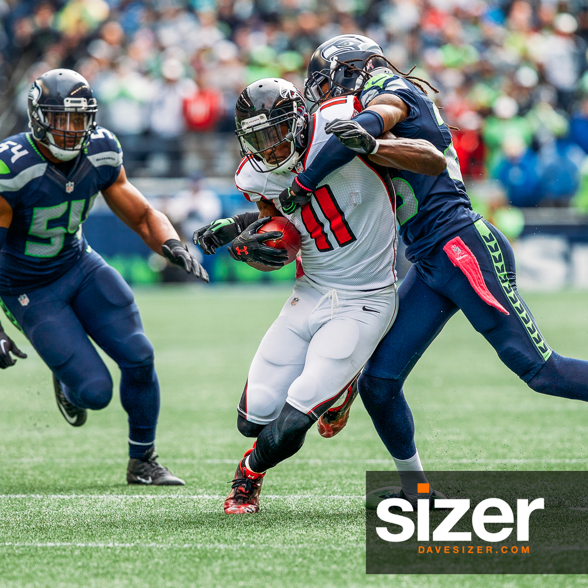 Julio Jones tries to shake Richard Sherman