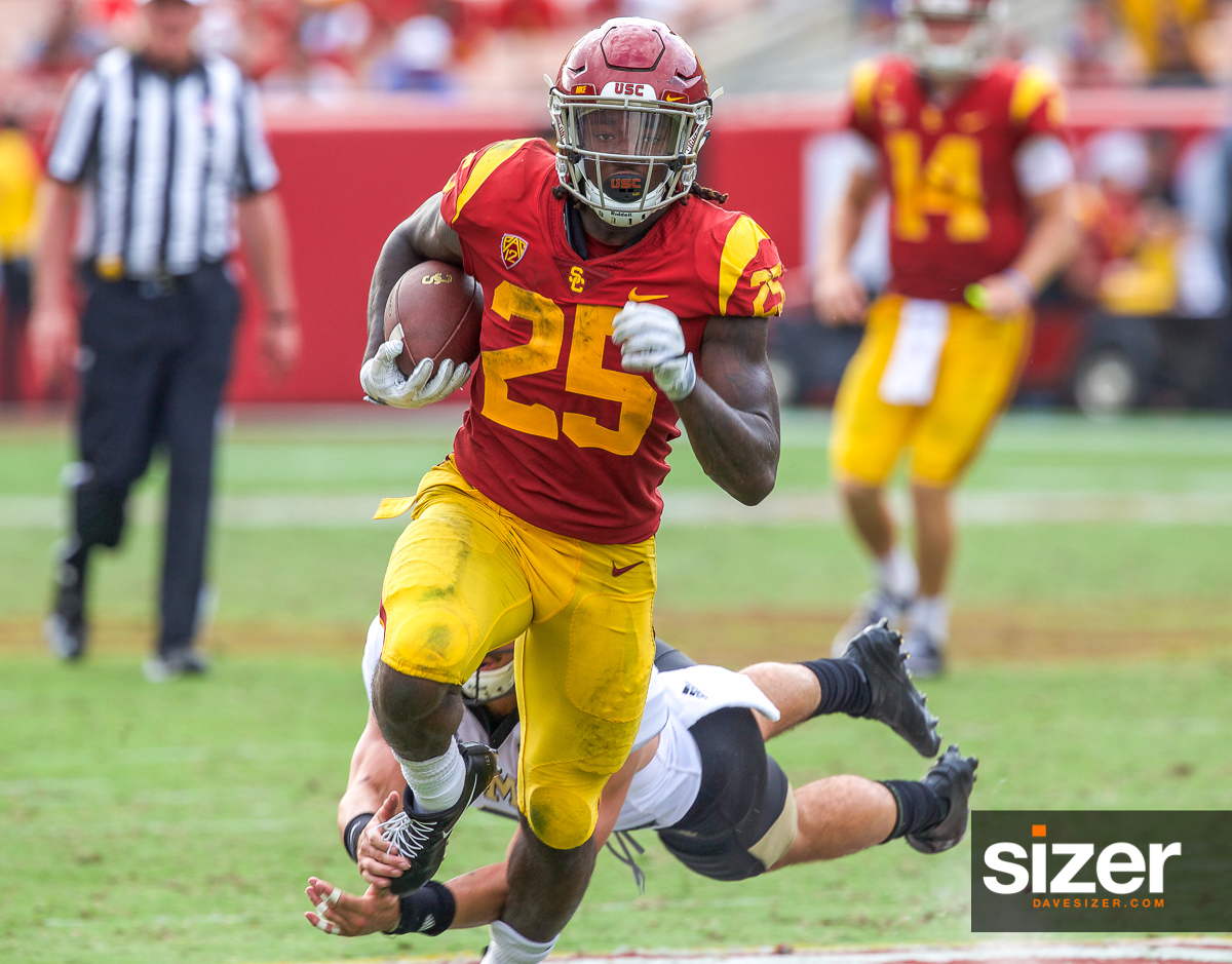 Ronald Jones II breaks away for a touchdown.